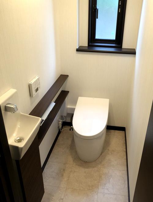 トイレの壁紙は淡い色がおすすめ